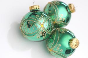greenchristmasballs