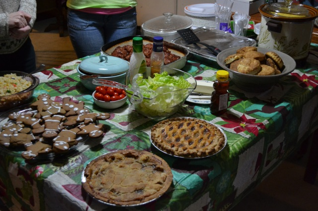 See that bit of green on the table? That's my romaine lettuce, representing the letter R. Also pictured: Colleen's thuggish gingerbread men, who didn't have a letter but crashed the party anyway, and Aunt Jenny's lasagna. (Why she felt compelled two dishes for every letter is beyond me, and also part of the reason we had enough food to feed a homeless shelter.)